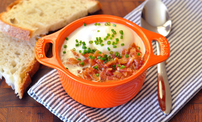 Shirred Eggs en Cocotte with Bacon & Gruyere Recipe | D'Artagnan