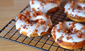 maple-bacon-doughnuts-recipe