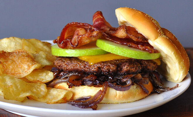 Burger with Candied Bacon, Apple, Cheddar & Onions Recipe | D'Artagnan