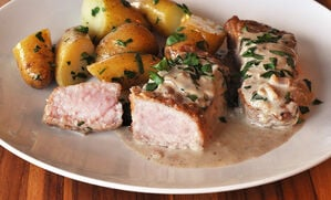veal-with-bleu-cheese-sauce-recipe