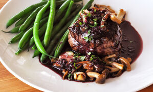 filet-mignon-with-red-wine-sauce-recipe