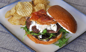 wagyu-burger-gorgonzola-prosciutto-fig-jam-recipe