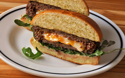 cheese-bacon-stuffed-venison-burger-recipe