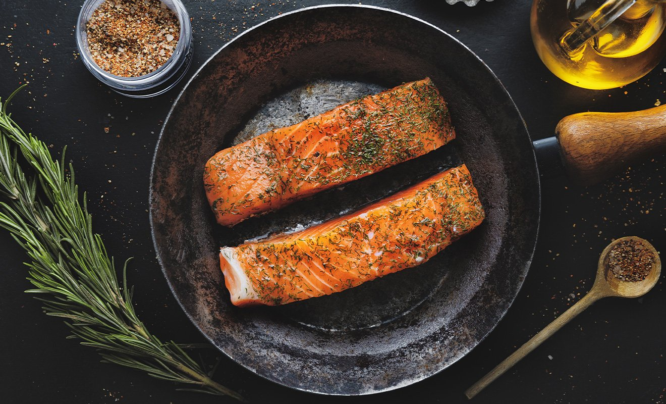 Eating Wild and Farmed Salmon