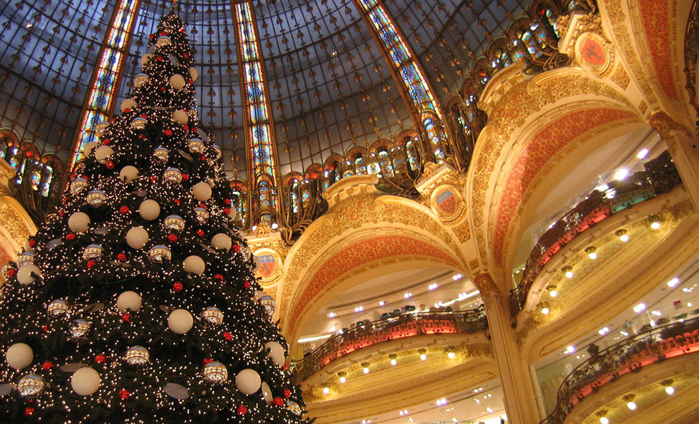 Christmas In France Tradition.Christmas On The Champs Elysees French Moments